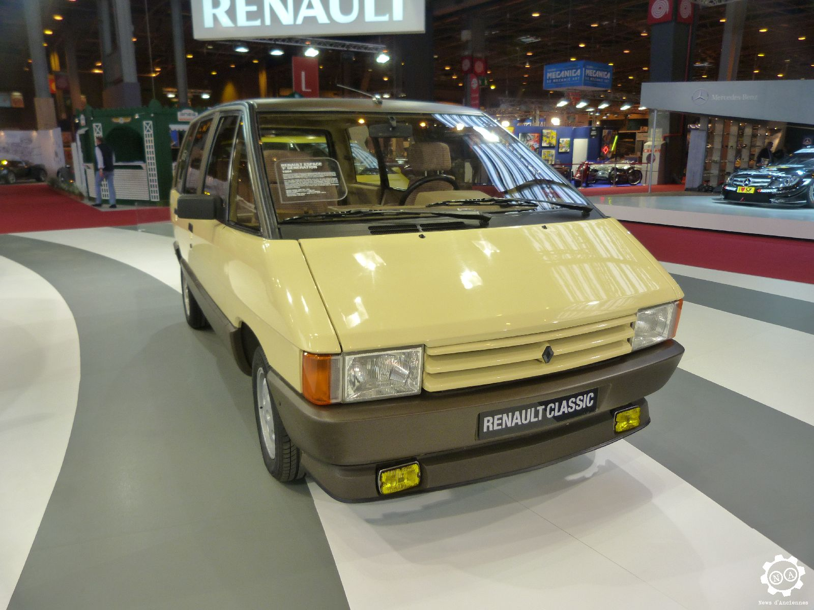 retromobile live le renault espace a 30 ans news d 39 anciennes. Black Bedroom Furniture Sets. Home Design Ideas
