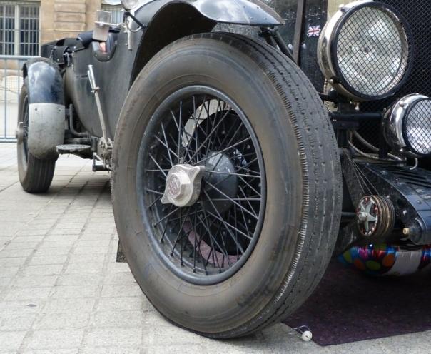 Pneus pour voiture ancienne